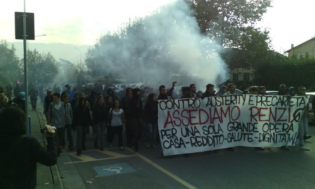 FOTO VIDEO Governo Renzi contestato anche a Brescia