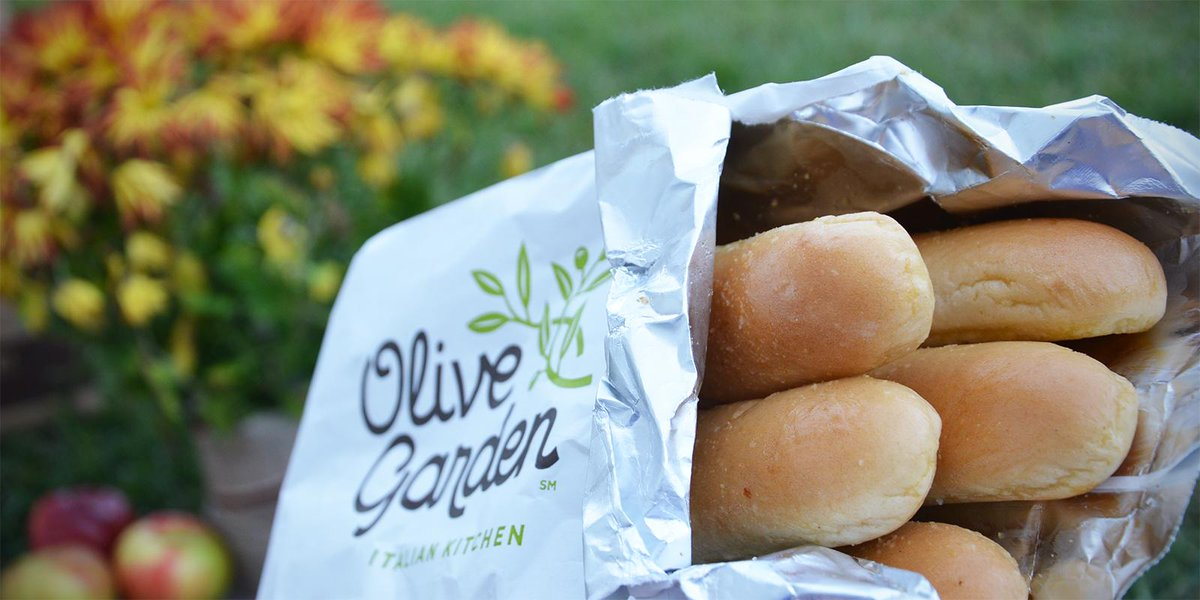 "Olive Garden Breadstick Sandwiches Are Really Happening: Olive Garden On Twitter: ""@ChelseaForbus They Warm Up Much"