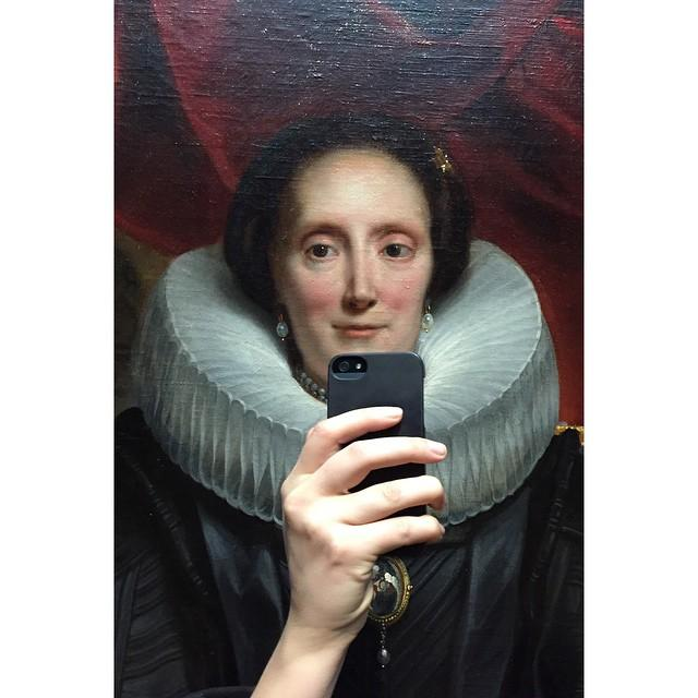 "Morning! ""@amanda_grigg: Taking museum selfies to the next level http://t.co/gsRdFWBlRc"""