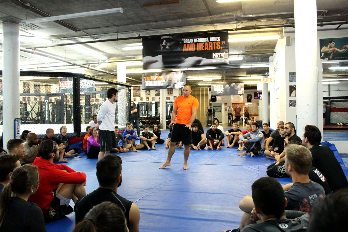 @GeorgesStPierre sharing his Knowledge with everyone @tristargym. Amazing class!!