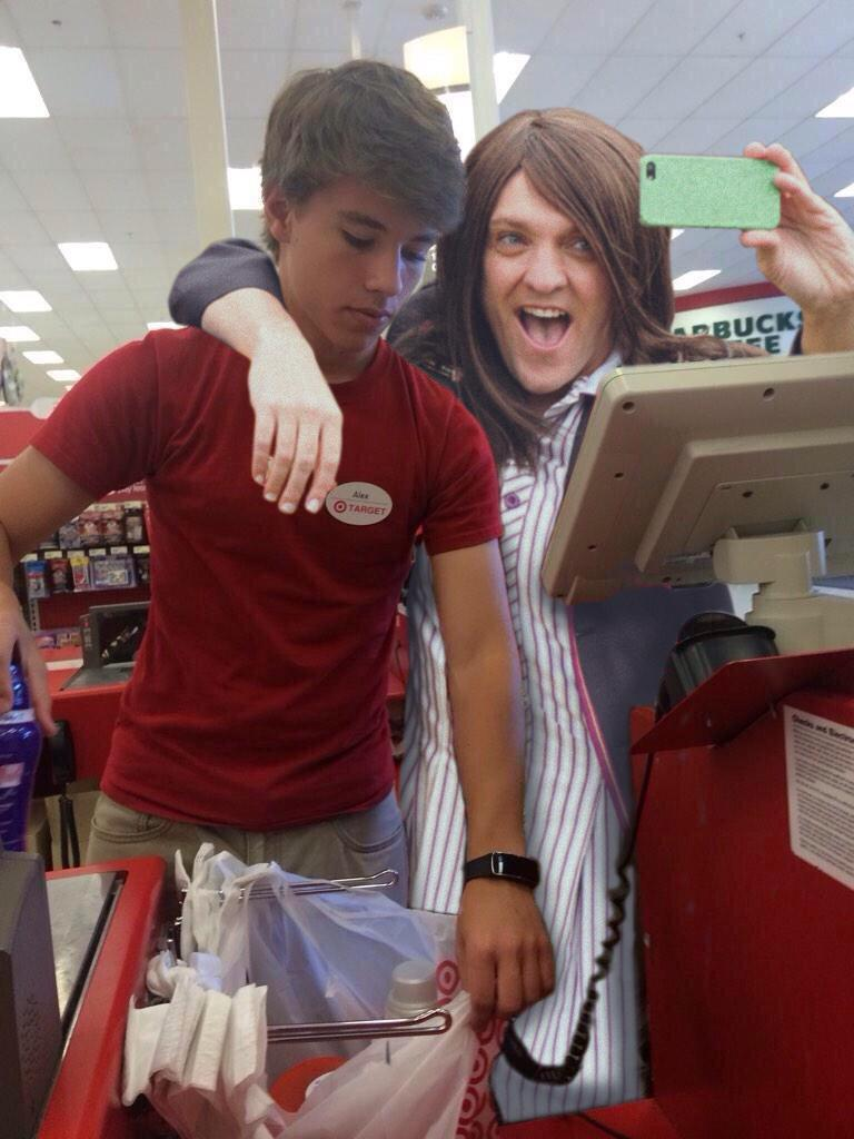 @acl167 Great meeting you today. Thanks for scanning my stuff and 4 the selfie. LOVE Ja'mie xoxoxox #alexfromtarget http://t.co/oObfnS2upx