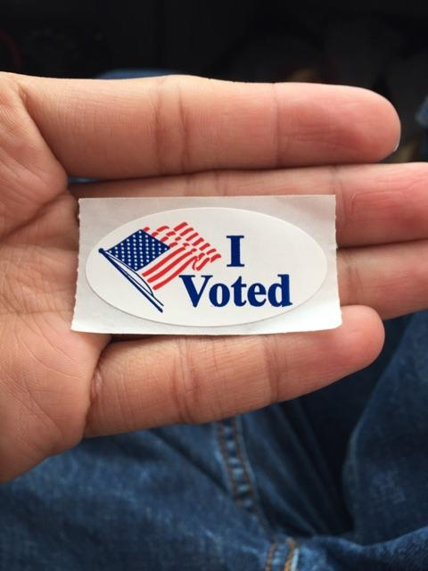 @WendyDavisTexas I voted the first day of early voting good luck today. #TeamWendy http://t.co/oAx9zQb9Gz