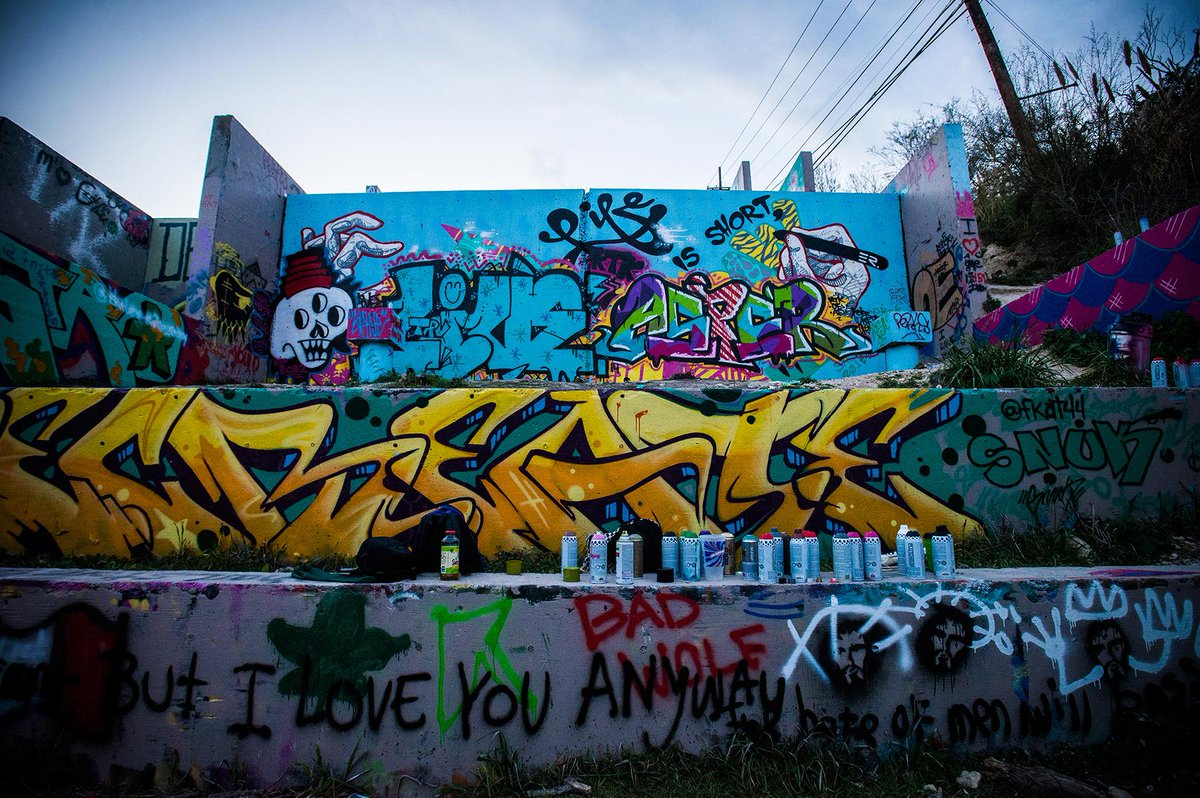 Austin's huge graffiti park is totally legal (and lucky to exist). My story and photos: http://t.co/ixxr5ntrED http://t.co/7i6bAiRLqg