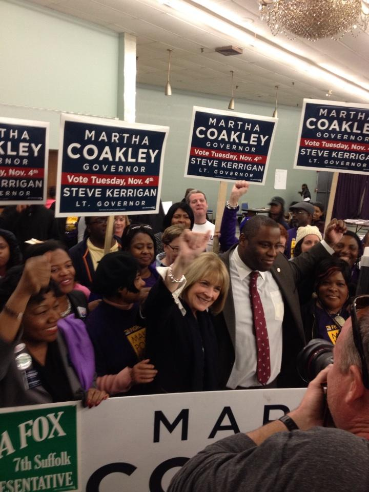 @marthacoakley brings pizza to supporters in Dot, rallies with @titojackson @ldforry http://t.co/9OFE91NBtr
