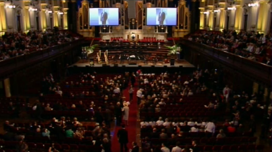 LIVE Stream: Mourners will farewell Gough #Whitlam in a service honouring his legacy. http://t.co/nFH5jfq0RO. #9News http://t.co/GdiCJMq9j4