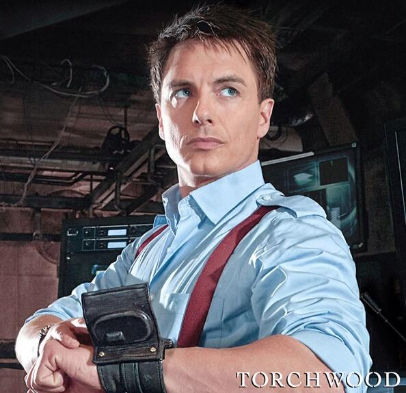 Joining @amellywood at #Planet2015 - @Team_Barrowman. Any #Arrow & #Torchwood fans out there? http://t.co/KKFZ8pQoix