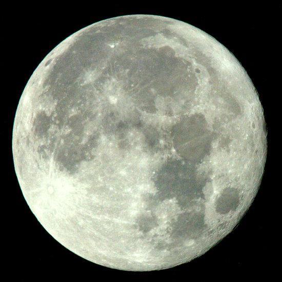 #Miraclemoon tonight. 今夜は171年ぶりの「後の十三夜」ミラクル・ムーン。あえて言おう。月に代わって。。。 http://t.co/IKiJzTb9x3