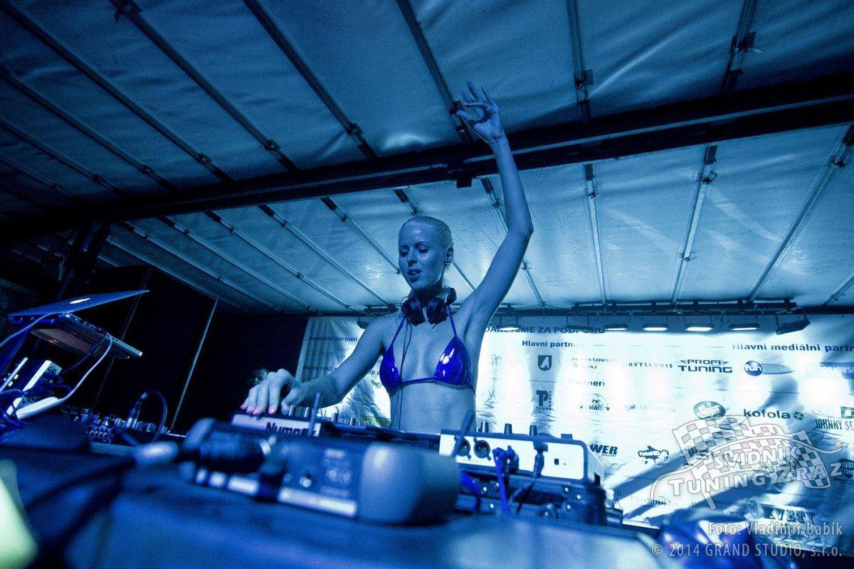 Ms. Lynna Nude Photos 31