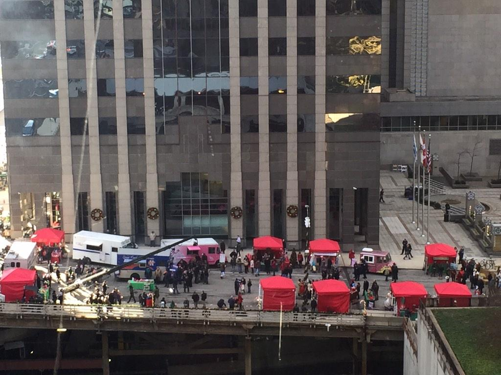 Waving hello @SweetRideChi! Thrilled to see #ChicagoFire spotlight our city's talented food trucks! http://t.co/CTFBt1EABK