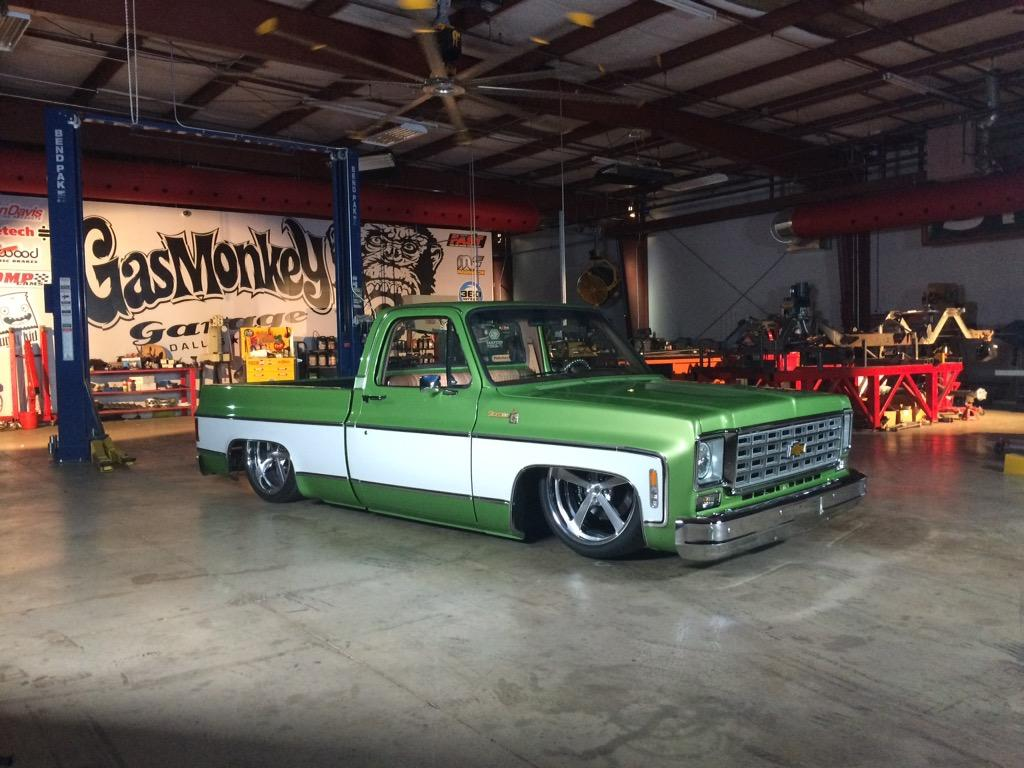 The @GasMonkeyGarage 1976 C10 is one seriously sick truck. #withauthority #FastNLoud http://t.co/a0jRWLf7cN