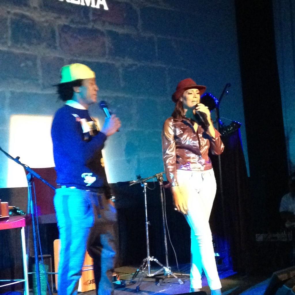 Ya inicia #TemporadaDelHumor #PrimeraFilaRonBarcelo con @lumylizardo y @GeraldOgando http://t.co/griwamKZSH