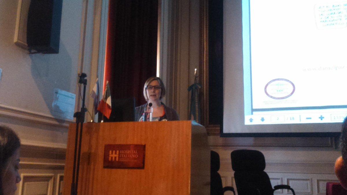 @gisisch presenta Educación en línea. Nuevos escenarios, nuevos desafíos @CETICSHI http://t.co/TPemIpqias