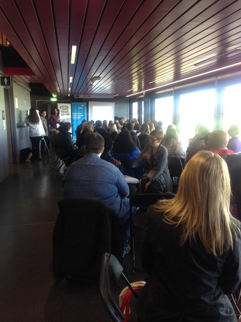 A full @LondonYouth & @FoyerFederation session on Reaching the hard to reach @unitingforyouth #listen2us http://t.co/PpwBH7D8VN