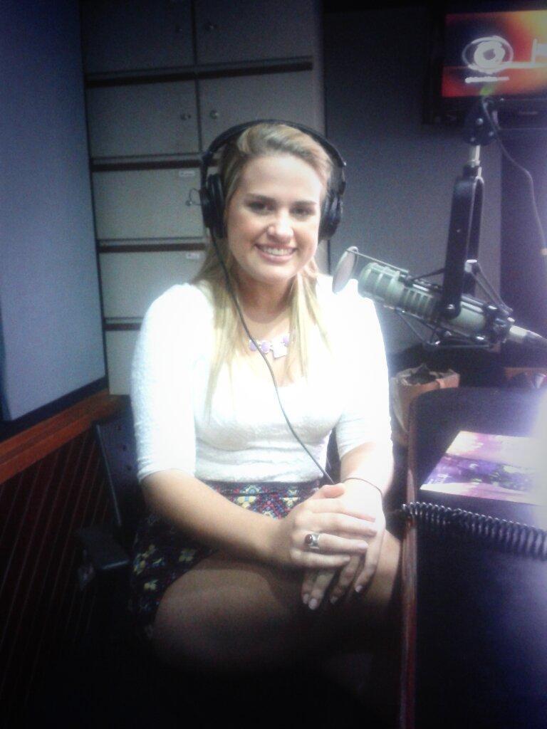 @_TattyMusic en el estudio del @HITPARADEVZLA http://t.co/YNwL6fgxzR