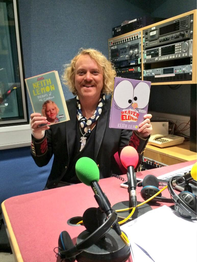 RT @HermsLawton: Jam-packed press day with @lemontwittor celebrating #LittleKeith out today! Now off to @intuLakeside for signing! http://t…
