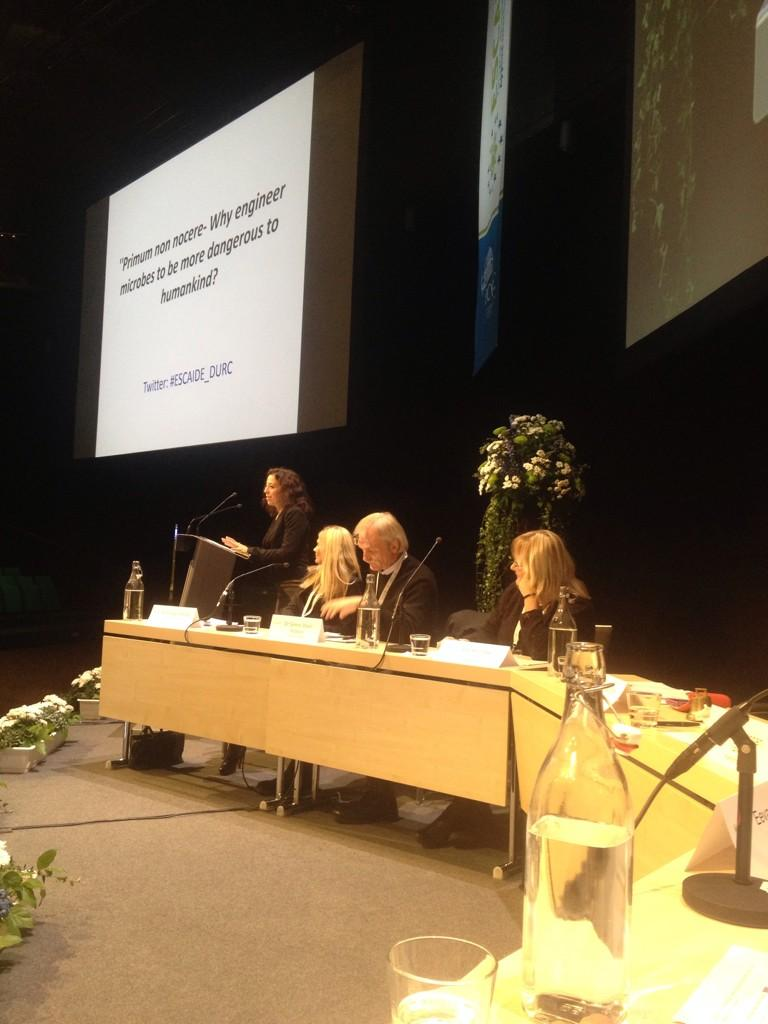 Debate and panel discussion on dual use research underway at #ESCAIDE #ESCAIDE_DURC http://t.co/2SIY1ESWkm
