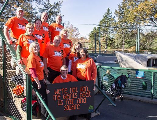 Wager with @KansasCityZoo fulfilled. Great sports! @SFGiantsFans #yesyesyes @hunterpence http://t.co/DeP0una2hG