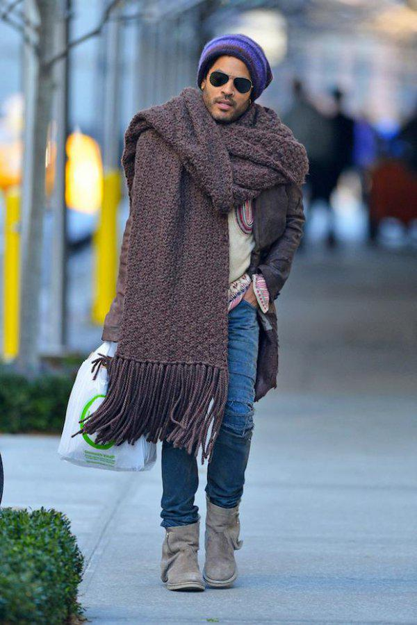 WHY IS LENNY KRAVITZ BETTER AT WEARING CHUNKY SCARVES THAN MY GIRLFRIEND?????? http://t.co/u0GDDYeEx3