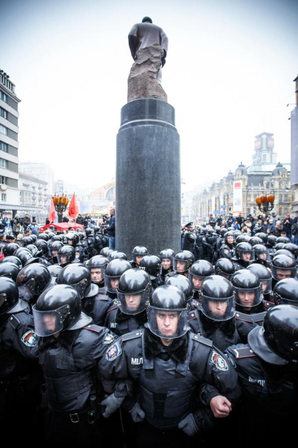 Правоохранители перекрывали движение по Институтской на 30 минут (обновлено) - Цензор.НЕТ 5563