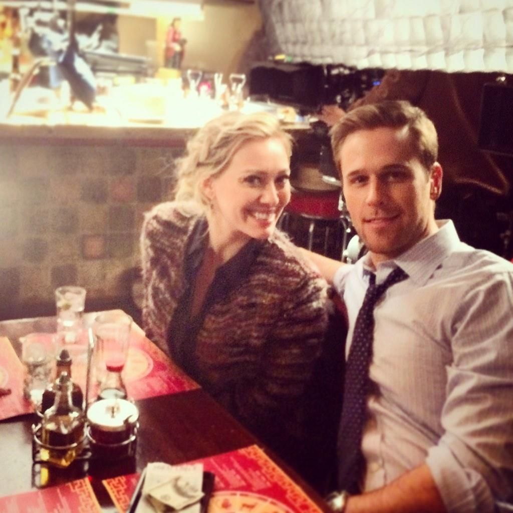 RT @danamboyer: Chinese date night w/ my onscreen lady @hilaryduff @youngertv http://t.co/hfaLiysxpP
