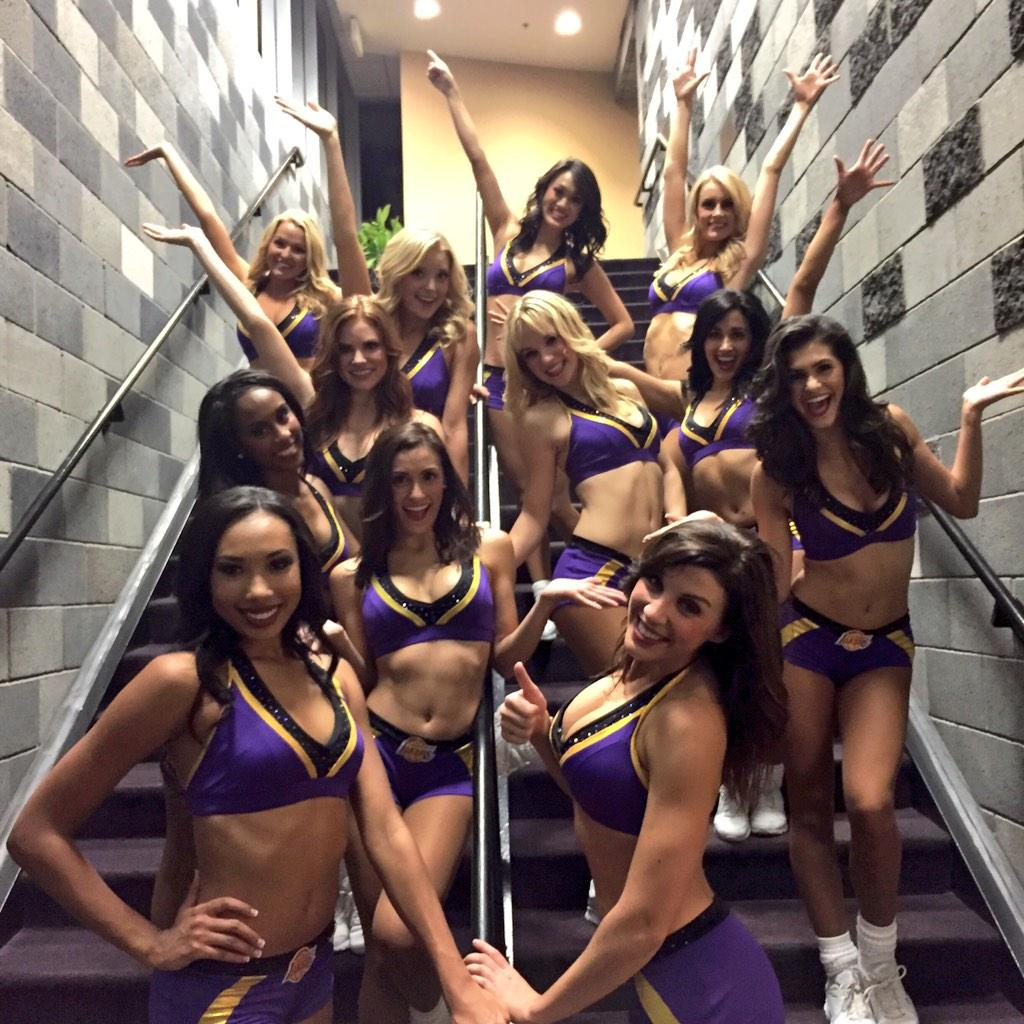 Woo hoo! Double victory tonight for @Lakers and @DFenders ! http://t.co/1k8RnblCUu