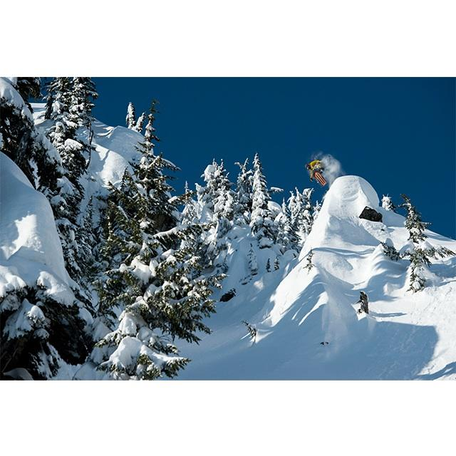 MUST SEE! #DavidBertschingerKarg rides, films and edits some of the best pow of last winter: http://t.co/M113I08Ltm http://t.co/K7VvB17iM2