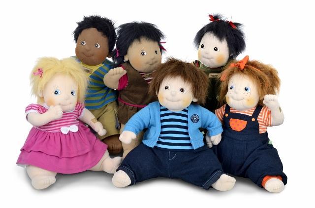Qui voudras bien s'occuper de ces poupées @Rubens_Barn ? C'est presque de vrais bébés  ! #estorynoel http://t.co/D1u4Xzm6Ux