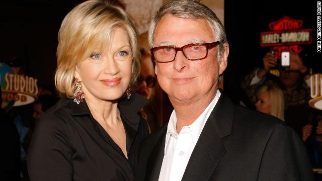 Multiple award-winning director Mike Nichols dies at 83 http://t.co/3d5KxUqGXo http://t.co/v6hrjlEdBo