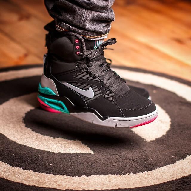 premium selection 6eb91 56b9f Sneaker Shouts™ on Twitter