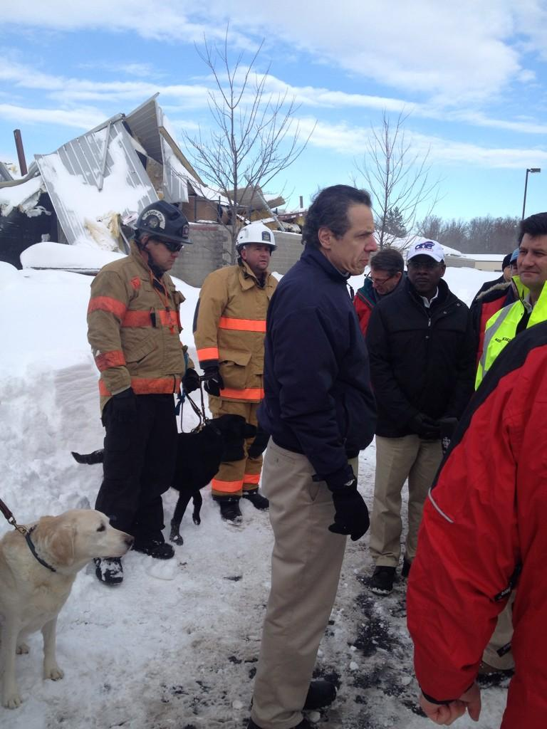 Andrew Cuomo On Twitter Surveying Collapsed Roof And Damage In Cheektowaga With Nys Fire Unit And Search Team Http T Co Oqdmszzaam Via Jimmalatras Buffalosnow