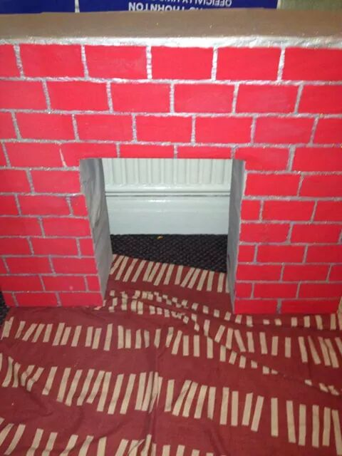 RT @longshlong501: @carolvorders me and my boys have made this festive fire place, what do you think to it? http://t.co/8mbYBmbRur