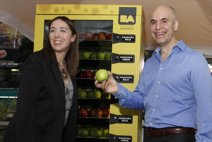 Fruit vending machines! > @CivilEats 5 Food Lessons the U.S. Could Learn from Latin America http://t.co/lQAXiVjRoJ http://t.co/pobzZE2fL9