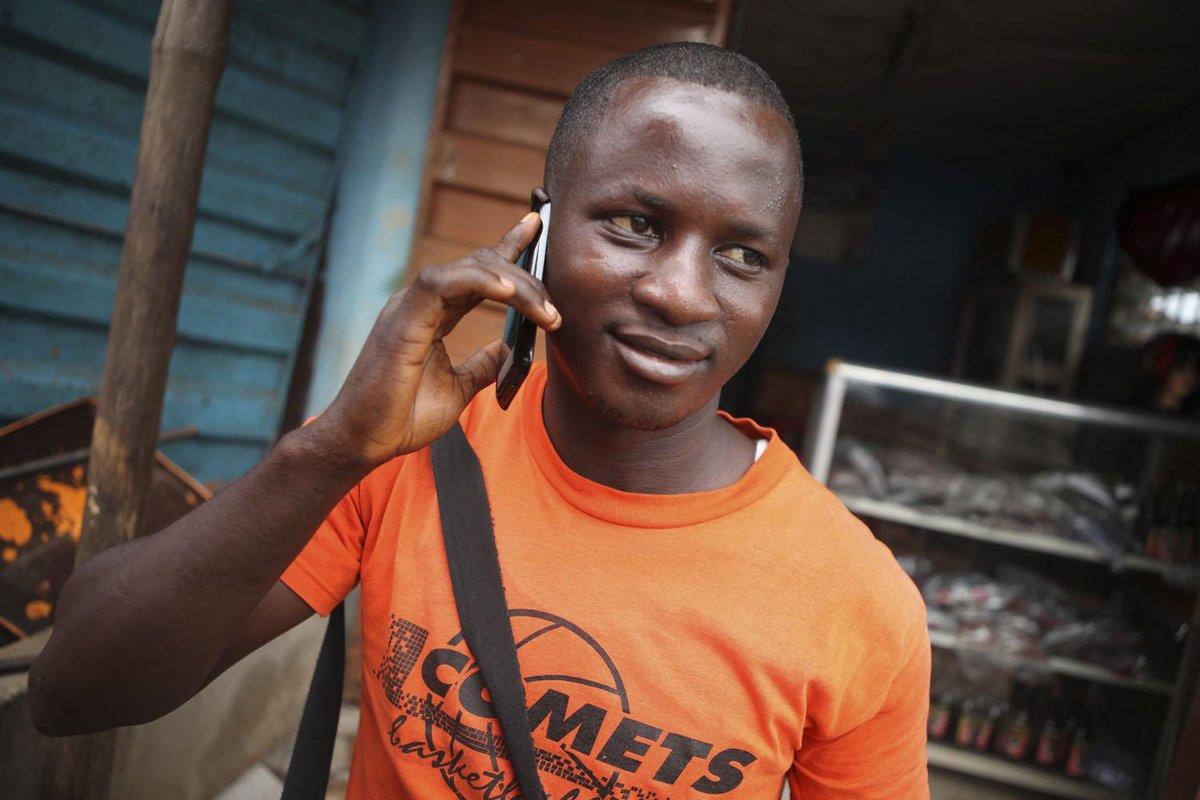93% des Africains ont accès à la téléphonie mobile, quand 59% disposent de l'eau courante http://t.co/Yu0GkJKM8B http://t.co/DEc1jc5HAA