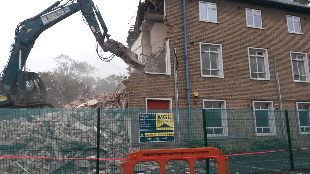 """RT @BobbyOven: """"The NHS is safe in my hands"""" - David Cameron Well, here's my local hospital, currently being demolished... #bbcqt http://t.…"""