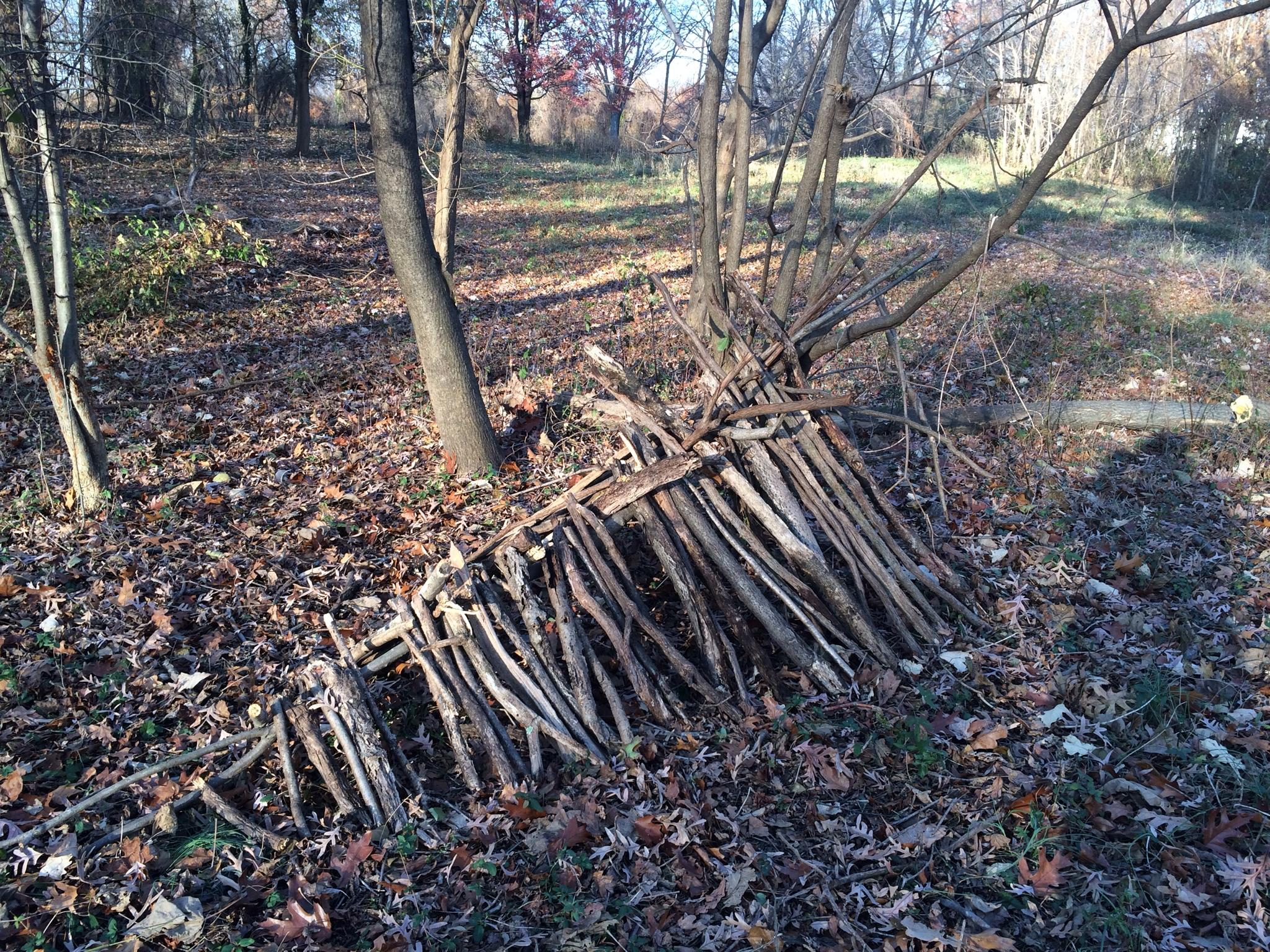 RT @AndyRileyish: In a break in #veep filming, started making a shelter from sticks & leaf litter in a Baltimore park. Showbiz. http://t.co…