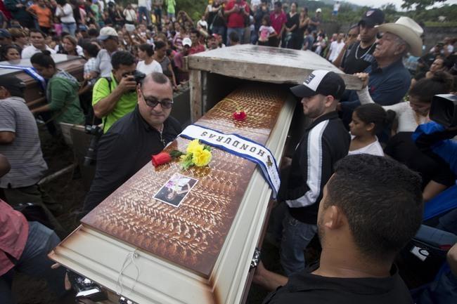 Velório e funeral da Miss Honduras.