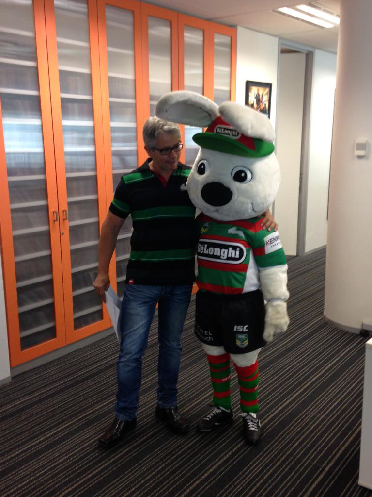 RT @TripleM_NRL: Look who has turned up at @TripleMSydney to farewell @anthony_maroon! @SSFCRABBITOHS #NRL http://t.co/yiI8mYFY64