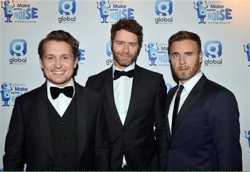 RT @GBarmygirl: Suited and booted @GaryBarlow 👌 http://t.co/Yc2E7VB4Z9