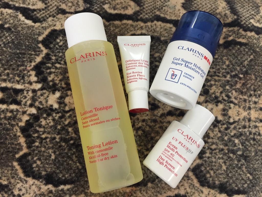 RT @claudeetMUA: Big thanks to @clarins_uk  ant's loving his jungle grooming kit! #ImACelebrity http://t.co/iptRutIDNw