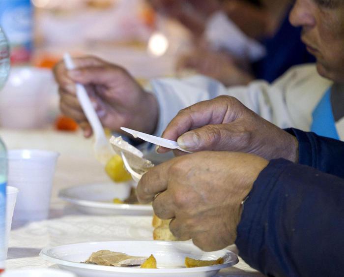 Alimentazione: Sempre più cittadini alle Banca del Cibo nel Regno Unito