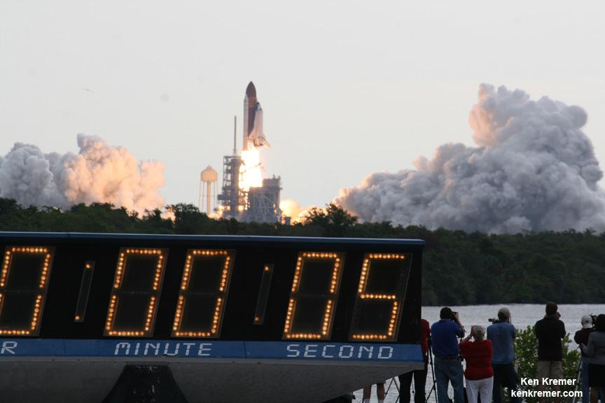 Sad. RT @universetoday: Iconic Kennedy Space Center Countdown Clock Retires  http://t.co/ZN7F9AwMyc http://t.co/h4XBzxko0Z