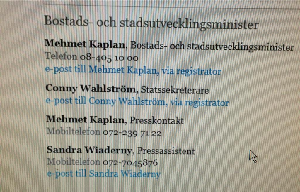 Öppenhet och transparens är nya ledstjärnan i Regeringskansliet. Kaplan gör som Sträng och lyfter på luren själv. http://t.co/byoPhx8Ej2