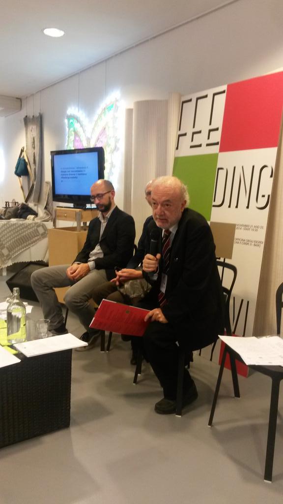Parla Ettore Bambi di Proago, responsabile del processo espositivo/laboratoriale del progetto #feedingcreativity http://t.co/K2llFOgPNM