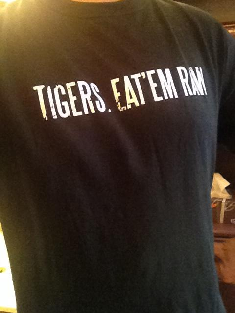 My fan appreciation @Ticats shirt smells of victory. And dampness. But mostly victory! @TimHortons @BaffinWorldWide http://t.co/O3xSThNKqY