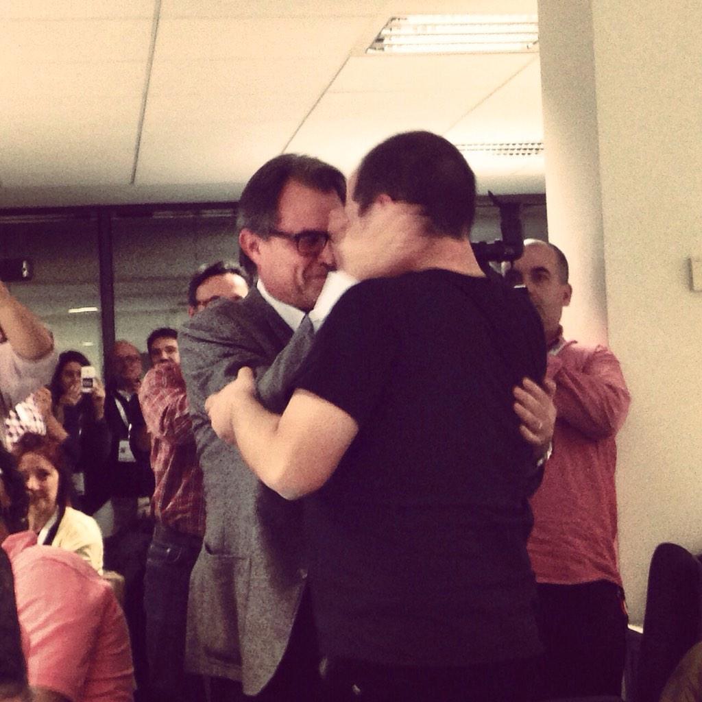 La fotografia que us deiem. #9nrac1 RT @jaumepadros: Emocionant ! Que es mantingui la Unitat ! http://t.co/ifvugHBaRH