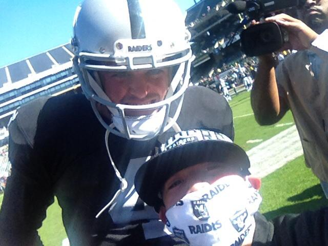 Selfie of the Day goes to Sevastian...and Derek Carr! The Visalia boy's all done with chemo now, too! #Raiders http://t.co/pXK7a2Rl6S