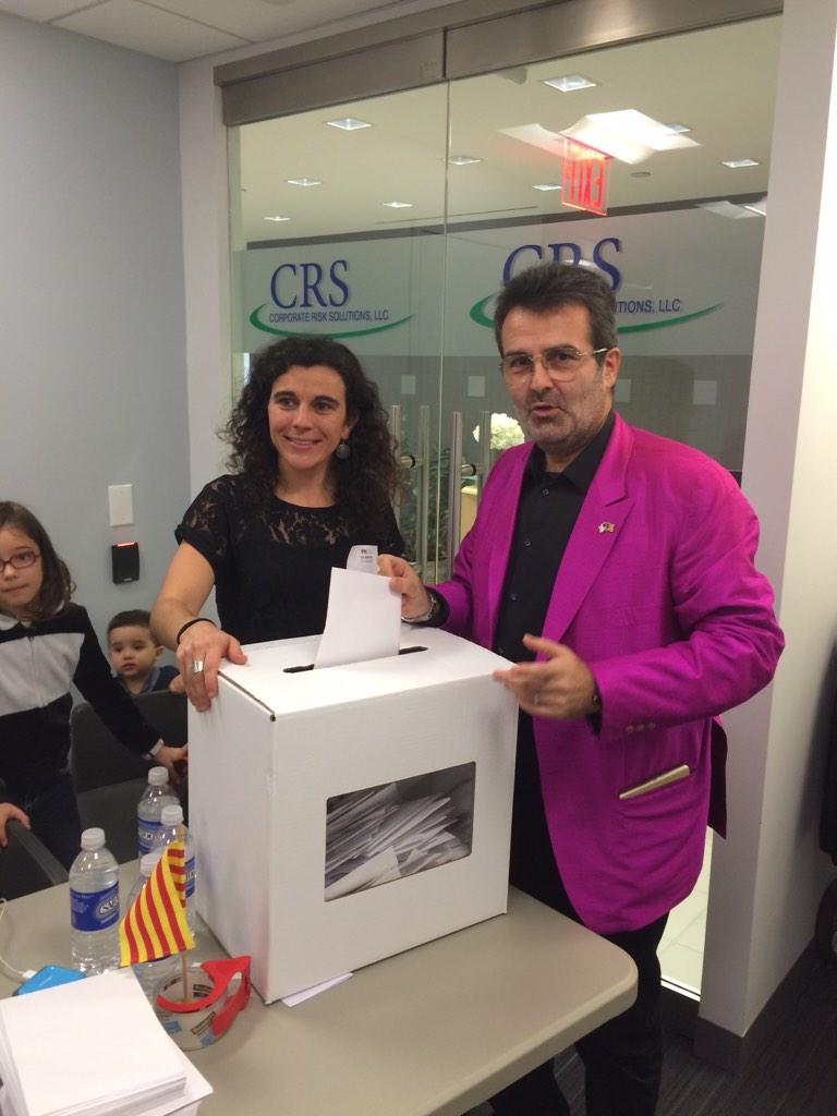 In New York City, Renown @Columbia Economist @XSalaimartin Votes for #Catalonia's Independence http://t.co/qnTkRhHD27