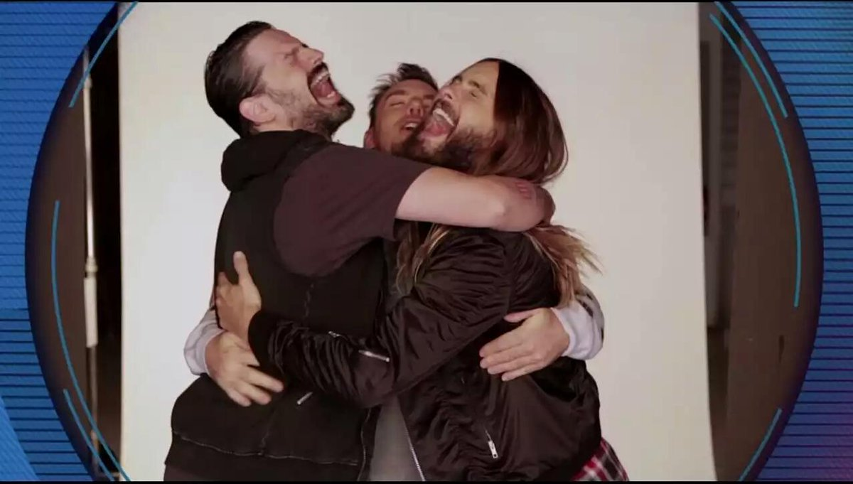 .@30SECONDSTOMARS GANAN EL PREMIO A MEJOR ARTISTA ALTERNATIVO EN LOS #MTVEMA2014 #BestAlternative http://t.co/fj4cxs5qyP