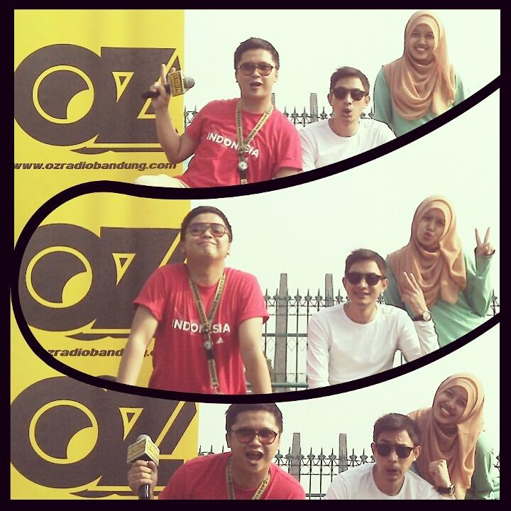 #OOTD in the morning @ozradiobandung spesial #HariPahlawan w/ @TheoFaybriean @sidecil http://t.co/H8jqkoHZ48