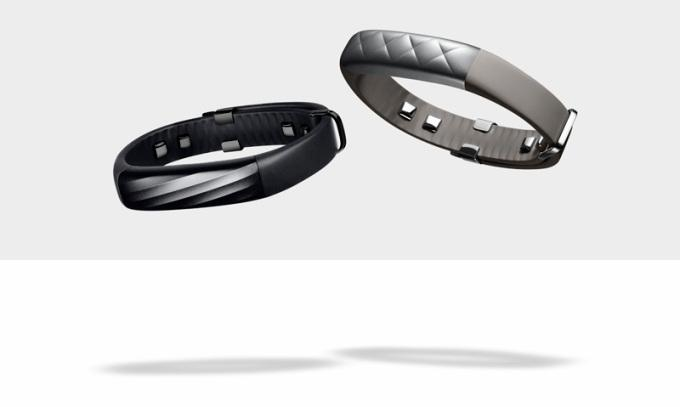Jawbone's UP3 crams more sensors into a $180